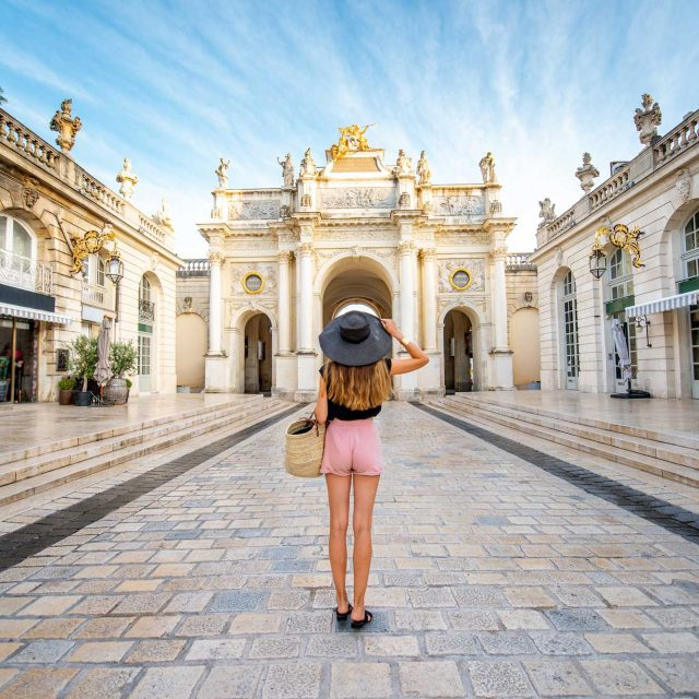 2500woman-traveling-in-nancy-france-Q5294AE